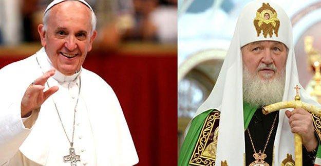 Katolik ve Ortodoks kilisesi liderleri Küba'da buluştu