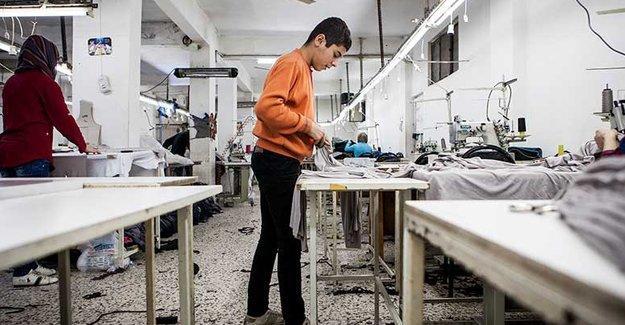 'Next ve H&M'in Türkiye'deki atölyelerinde Suriyeli çocuklar çalıştırılıyor'