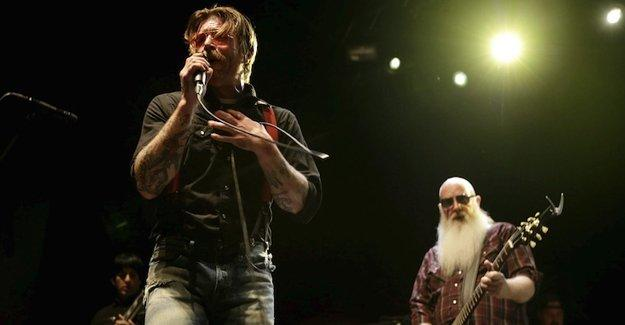 Paris katliamından kurtulan müzik grubu tekrar konser verecek
