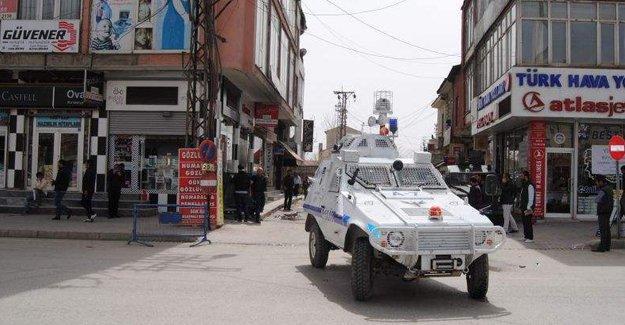 Yüksekova'da çatışmalar tüm kente yayıldı
