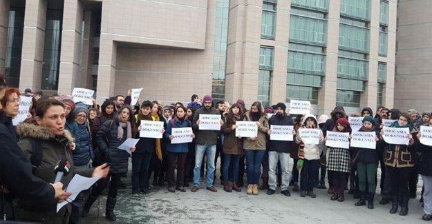 Akademisyenlerin gözaltına alınması Çağlayan'da protesto edildi