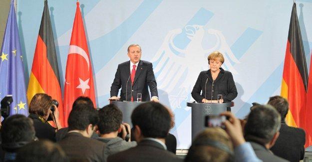 """Almanya'ya Erdoğan tepkisi: """"Lahey'de yargılamak yerine memnuniyetle karşılıyorlar"""""""