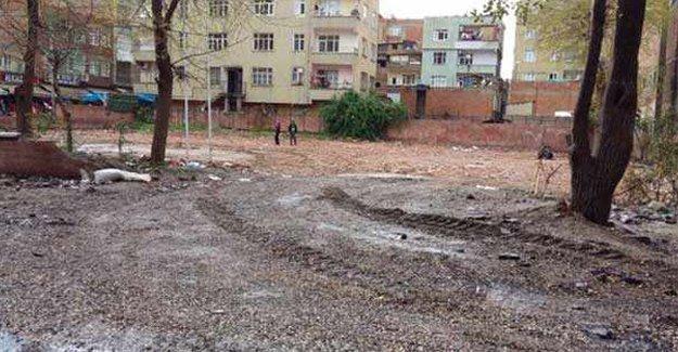 Bağlar'da yıkılan sağlık ocağının, yerine polis merkezi
