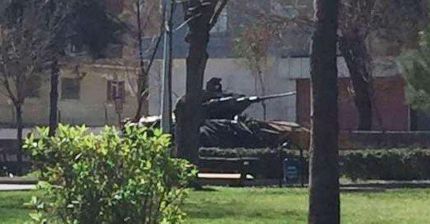 Diyarbakır Bağlar'a tanklar yerleştirildi