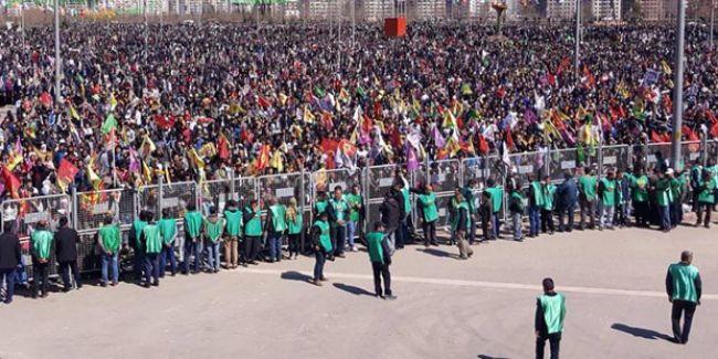 Diyarbakır'da Newroz mitingi