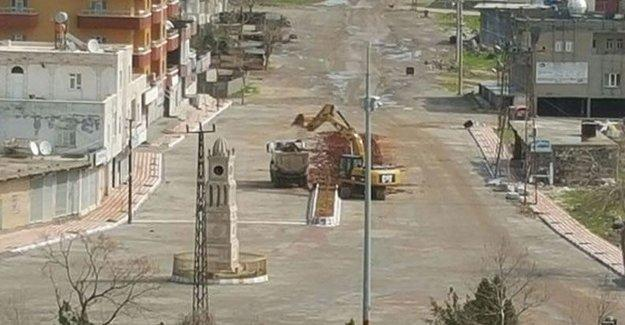 İdil'de 'yasak' kalktı abluka sürüyor