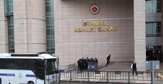 """Gözaltına alınan ÖHD'li avukatlara """"Herhangi bir derneğe üye misiniz"""" sorusu"""