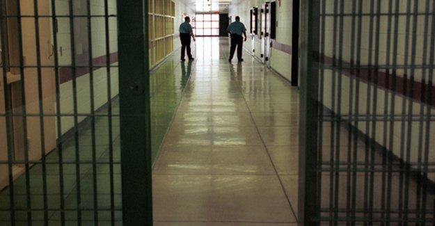 Siyasi mahkûmların avukatlarıyla görüşmesi yasaklandı