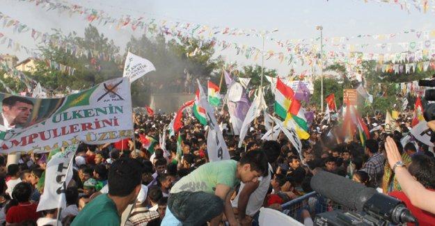 HDP Diyarbakır mitingine bomba koyanlara istenen cezalar belli oldu