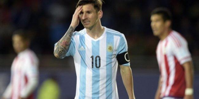 Messi 117 maç sonra şut atamadı
