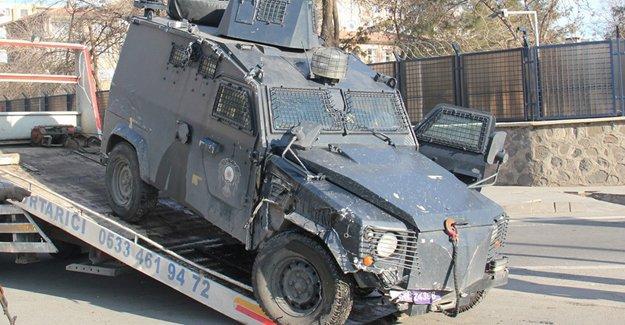 Nusaybin'de zırhlı araçlar çarpıştı: 1 polis yaşamını yitirdi
