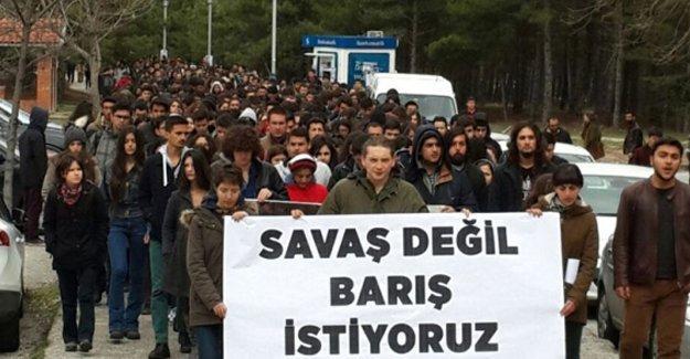ODTÜ'de binler: Savaş değil barış, ölüm değil yaşam istiyoruz