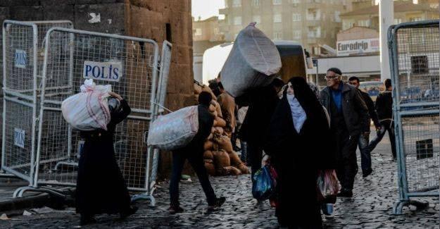 """""""Şam'da namaza giderken, evdeki Kürt'ten olmak!"""""""