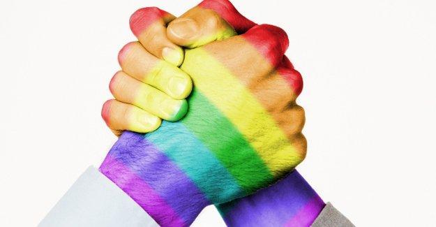 Türkiye'nin yüzde 53'ü eşcinselliği aykırı görüyor