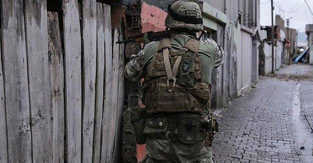 Yüksekova'da çatışma: 1 özel harekât polisi hayatını kaybetti