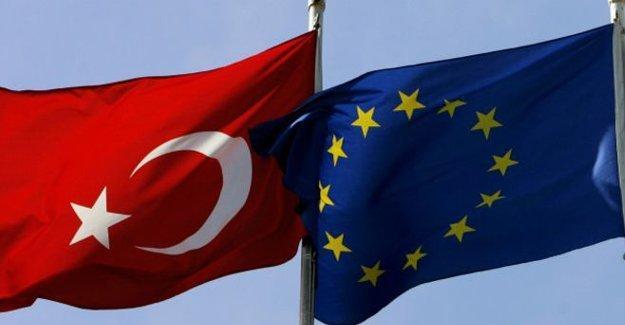 'Türkiye'deki kriz AB'yle göçmen anlaşmasını tehlikeye atıyor'
