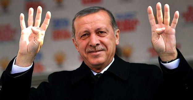 Aydınlardan bildiri: 'Cumhurbaşkanı'na hakaret' suçu kaldırılsın