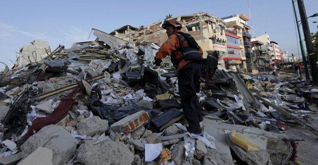 Ekvador'da üst üste 3. büyük deprem