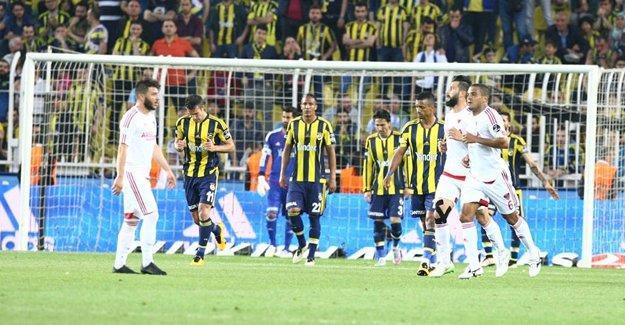 Fenerbahçe, Mersin İdmanyurdu'nu farklı geçti