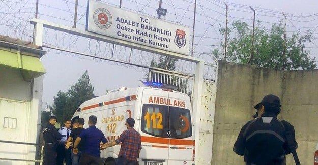 Gebze kadın hapishanesinde yangın: 2'si ağır 6 mahkûm yaralı