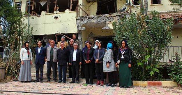 Hatip Dicle: İdil'de çatışmalardan sonra da evler yakılıp yıkıldı