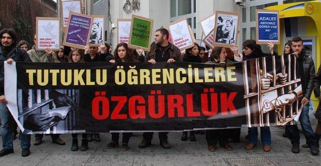 İstanbul'da tutuklu öğrenciler hâkim karşısına çıktı