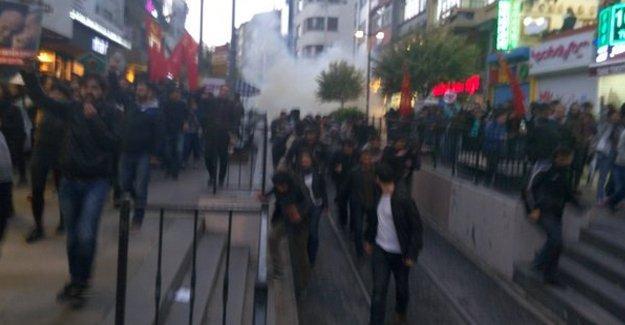 İstanbul ve İzmir'deki 'laiklik' eylemlerine saldırı