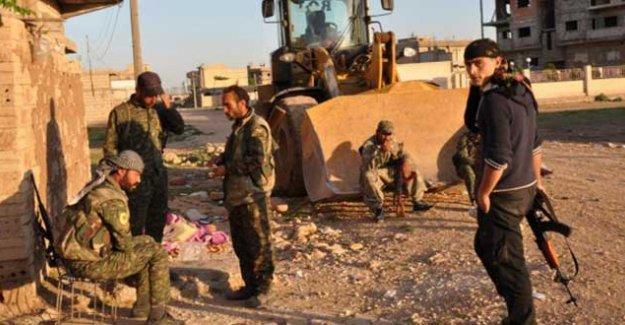 Kamişlo'daki çatışmalarda Kürt asayişinden 4, Esad'a bağlı güçlerden 18 kişi öldü