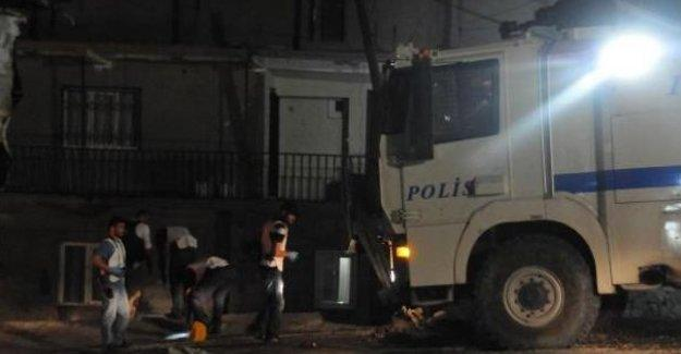 Mardin Derik'te polis lojmanlarına saldırı