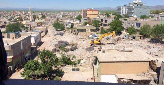 Silopi'de evler yıkılıyor, Nusaybin'de yoğun saldırılar sürüyor