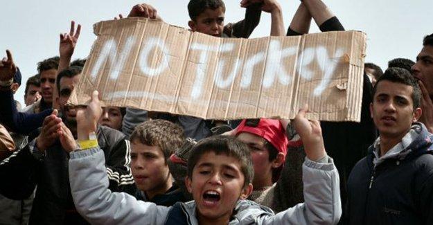 Times: Göçmen iadeleri öncesinde kaos