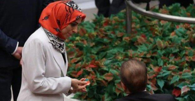 AKP'liler gizli oy ilkesini açıkça çiğnedi