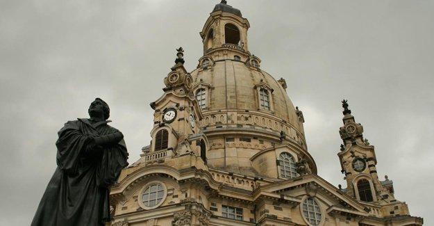 Almanya'da kiliseler birer birer kapanıyor