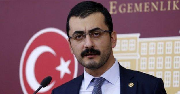 Ülkücüler tehdit ettikleri CHP'li Eren Erdem'in katıldığı panele saldırdı