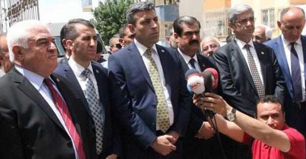 """CHP'den Kilis ziyareti: """"22 kişi yerine 222 kişinin mi ölmesi gerekiyor?"""""""
