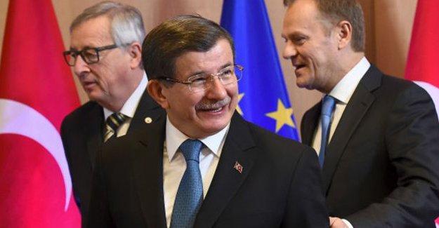 Financial Times: Türkiye, AB'yle vize görüşmelerinde zorlu engellerle karşı karşıya