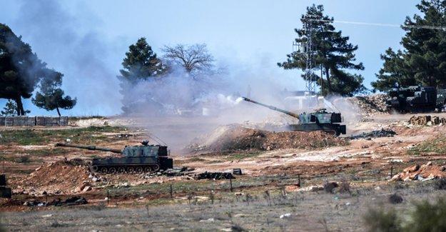 Economist: Türkiye Suriye'ye karadan müdahale eder mi?
