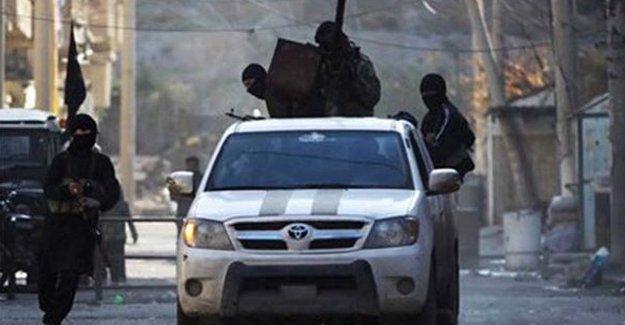 IŞİD, Mare ve Azez'i kuşattı: YPG, binlerce insana koridor açtı