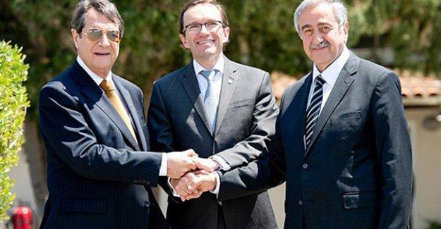 Kıbrıs'ın iki liderinden 'Müzakerelerin 1. yıldönümü' için ortak açıklama