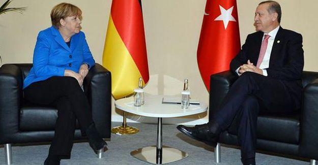 Merkel'den vize serbestisi açıklaması