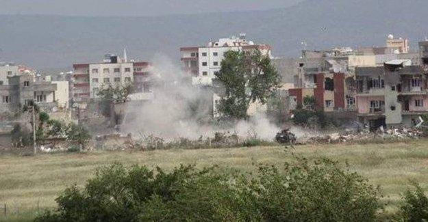 Nusaybin'de bir eve yerleştirilen patlayıcı infilak etti