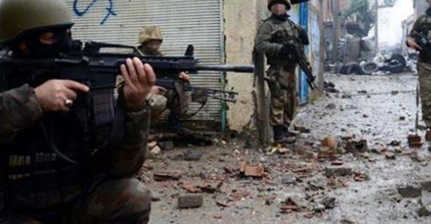 Şırnak'ta bir özel harekat polisi hayatını kaybetti