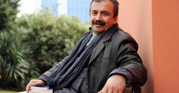 """Sırrı Süreyya: AKP'nin kendi iç sorunlarını """"kamufle etme"""" girişimi"""