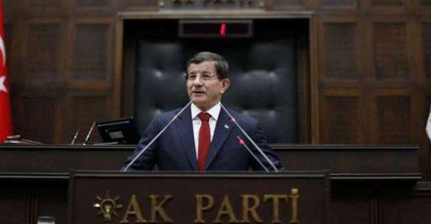 """""""AK Parti olağanüstü kongreye gidiyor"""""""