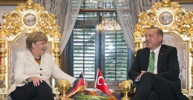 Times: Avrupa, Erdoğan'a serbest geçiş izni veremez