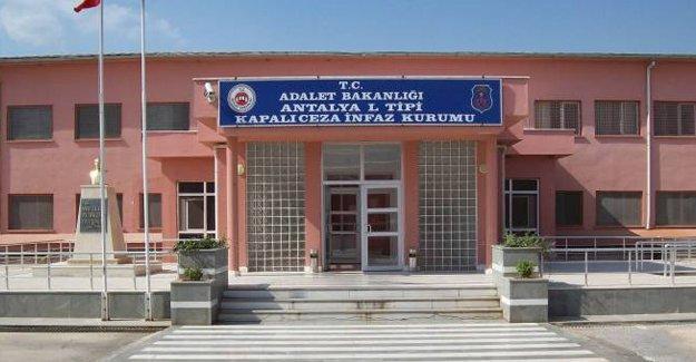 Alanya'da 7 kişilik koğuşlarda 26 tutuklu kalıyor