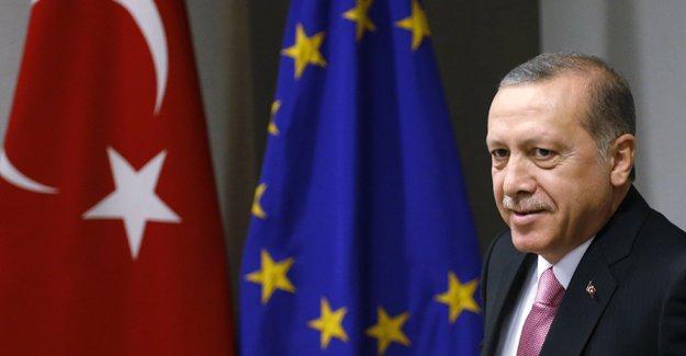 """""""Dokunulmazlık yasası Türkiye'nin AB üyeliği olasılığını ortadan kaldırdı"""""""