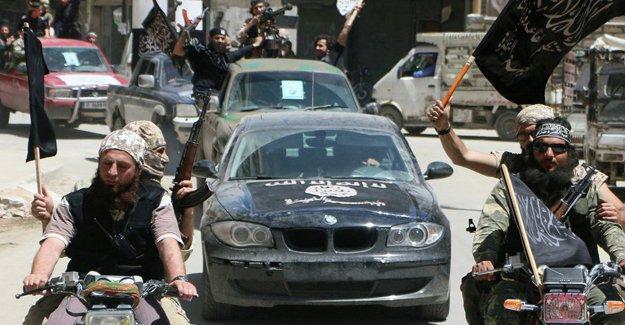 """El Nusra'dan """"Alevi soykırımı yapın"""" çağrısı"""