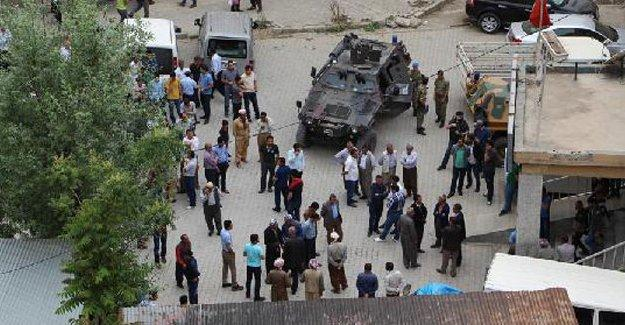Hakkari'de çatışma: 2 korucu hayatını kaybetti