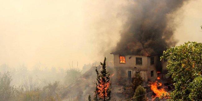 Kumluca'daki orman yangını büyüyor
